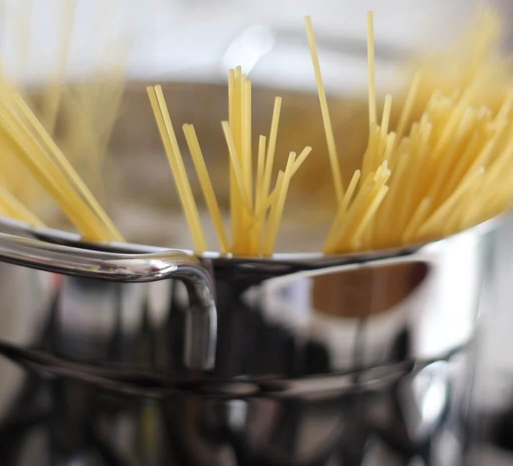 kako stedjeti u kuhinji, a ipak se zdravo hraniti